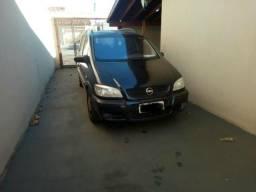 Carro Zafira - 2001