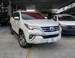 TOYOTA HILUX SW4 2.8 SRX 4X4 7 LUGARES 16V TURBO INTERCOOLER DIESEL 4P AUTOMÁTICO