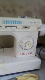 Maquina reta zigzag singer