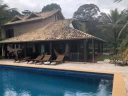 Linda chácara de altíssimo padrão com quadra de tênis em Itaipava