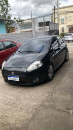 Vendo Fiat punto ano 2011 1.4 fire carro top , barbada