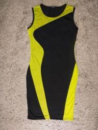 Lindo vestido preto e amarelo