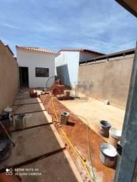 Interlagos Vendo casa de 2/4 com lote de 150m²