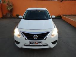 Nissan VERSA 1.0 4P