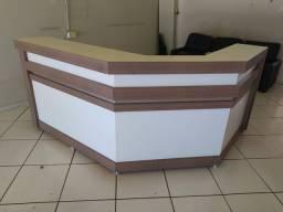 Balcão caixa  bem conservado