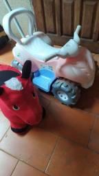 Carrinho e cavalinho