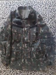 Conjunto Calça e Gandola / casaco / jaqueta camuflado