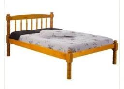 Vendo cama de madeira desse modelo