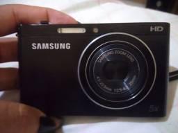 Câmera Samsung HD pouco usada