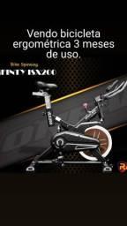 Bicicleta ergométrica novinha...