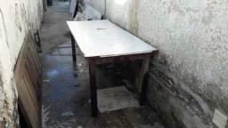 Mesa em fórmica por 130 reais pra vir buscar no Bairro Novo em Olinda.