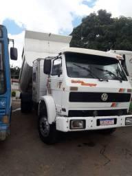 caminhão bascula com casinha suplementar para 5 passageiro legalizado
