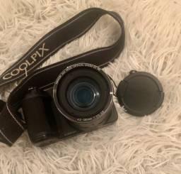 NikonL820
