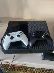 Xbox One - Com 2 Controles / 2 Jogos /com Cabos