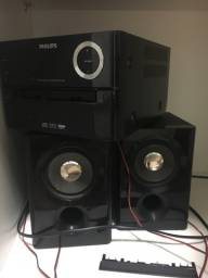 Tenho dois sons deste com defeito. As caixas de som estão boas. Não preciso mais.