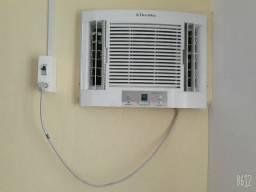 Ar condicionado usado e limpo