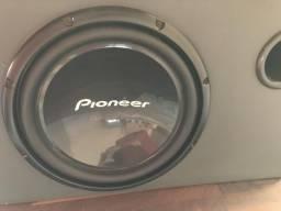 Alto-falante pioneer na caixa