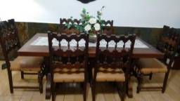 Mesa linda em madeira fino trato com 6 cadeiras