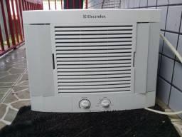 Ar Condicionado Electrolux 7.500 BTUs , $240 Com Entrega Grátis