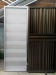 Dois portão de alumi Leia a des