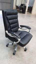 Cadeira de escritório com massagem Show Room ( usada )