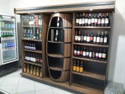 Expositor em madeira para vinhos e bebidas - Cristal Aço adega