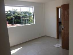 Excelente Apartamento 02 Qtos, elevador, portaria eletrônica e ótima localização.