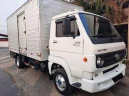 Caminhão Vw 8.160 chassi 3/4 Baú - 115.000