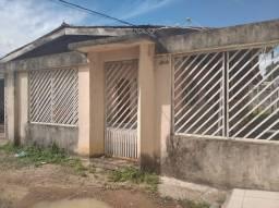 Casa a venda no Bairro do Trem, contendo 04(suítes), Terreno 450m² não documentada
