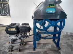 Engenho e motor de caldo de cana