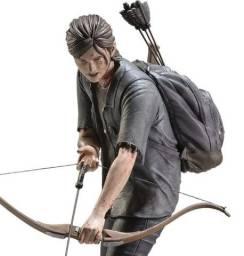 Título do anúncio: Action figure Ellie com Arco - The Last Of Us II - Dark Horse Comics