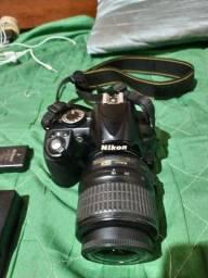 Vendo Câmera Profissional DSLR Nikon D3100 + lente 18-55mm