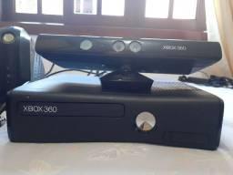 XBOX 360 completo, funcionando perfeitamente.