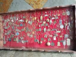 Coleção de chaveiros antigos