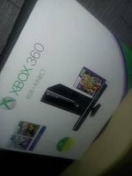 XBOX 360 TRAVADO COM CABO HDMI +4 JOGOS ORIGINAIS E +1 JOGO NO HD +kinect