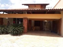 Alugo Casa Duplex no Altos do Calhau, 4 qts, com projetados!