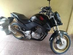 Vendo cb 300r - 2010