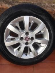 Jogo de rodas do Fiat Punto originais com pneus 15