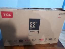 Vendo TV TCL 32polegadas smart.