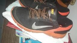 Tênis Nike n°39 apenas 40 reais