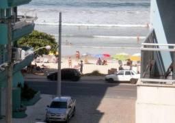 Apartamento 3 quartos com ar com vista para a praia