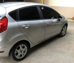Vendo New Fiesta automático - 2014