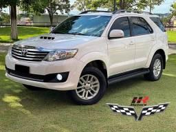 Toyota Hilux Sw4 - Srv 3.0 4x4 - 5 lugares - 2015 2015 - Pouco uso. - 2015