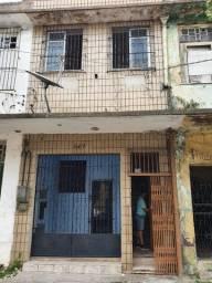 Alugo casa Térrea 2 quartos Rua 28 de Setembro - Reduto