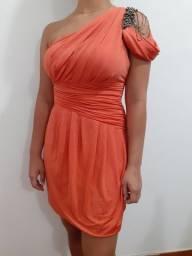 Vestido ombro único com detalhes