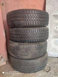 Vende-se 4 pneus
