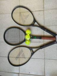 Título do anúncio: Duas raquetes prokennex e uma raquete Dunlop