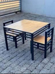 Mesa com 2 cadeiras infantil