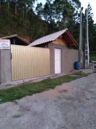 Casa na Rodovia Afonso Cláudio, km 4 em frente ao posto Fernandópolis