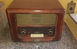 Som radio antigo com bluetooth. FM. USB. CARTAO MEMORIA.